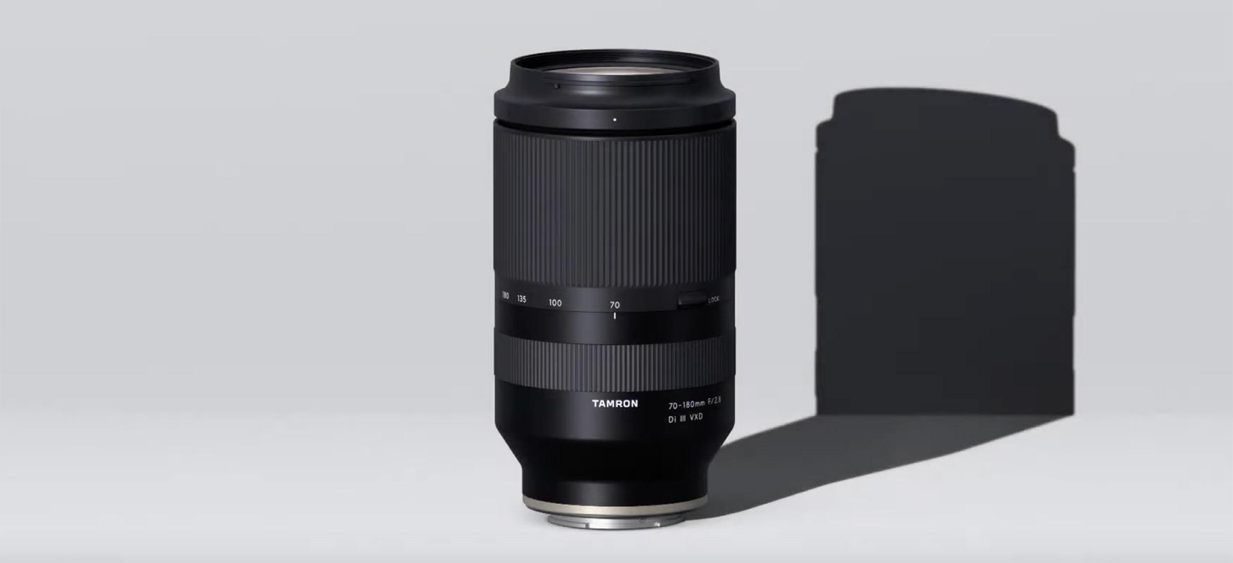 Tamron 70-180 mm f /2.8 Di III VXD-k lehiaketa baino bi aldiz txikiagoa du bere dimentsioekin eta kostuarekin
