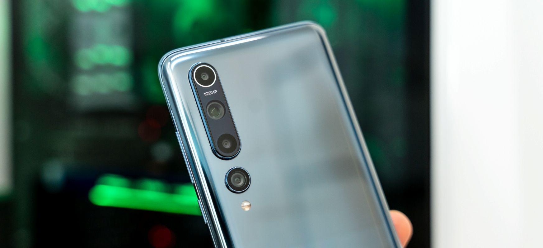 Xiaomi-k bai daki zer egiten ari den, edo eguzkia zapaltzen ari den.  Xiaomi Mi 10 - lehen inpresioak