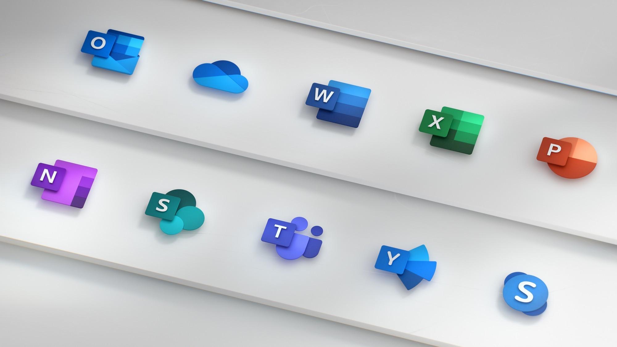 Windows 10X forma hartzen du.  Bi fitxategi kudeatzaile berriak probatu ditugu