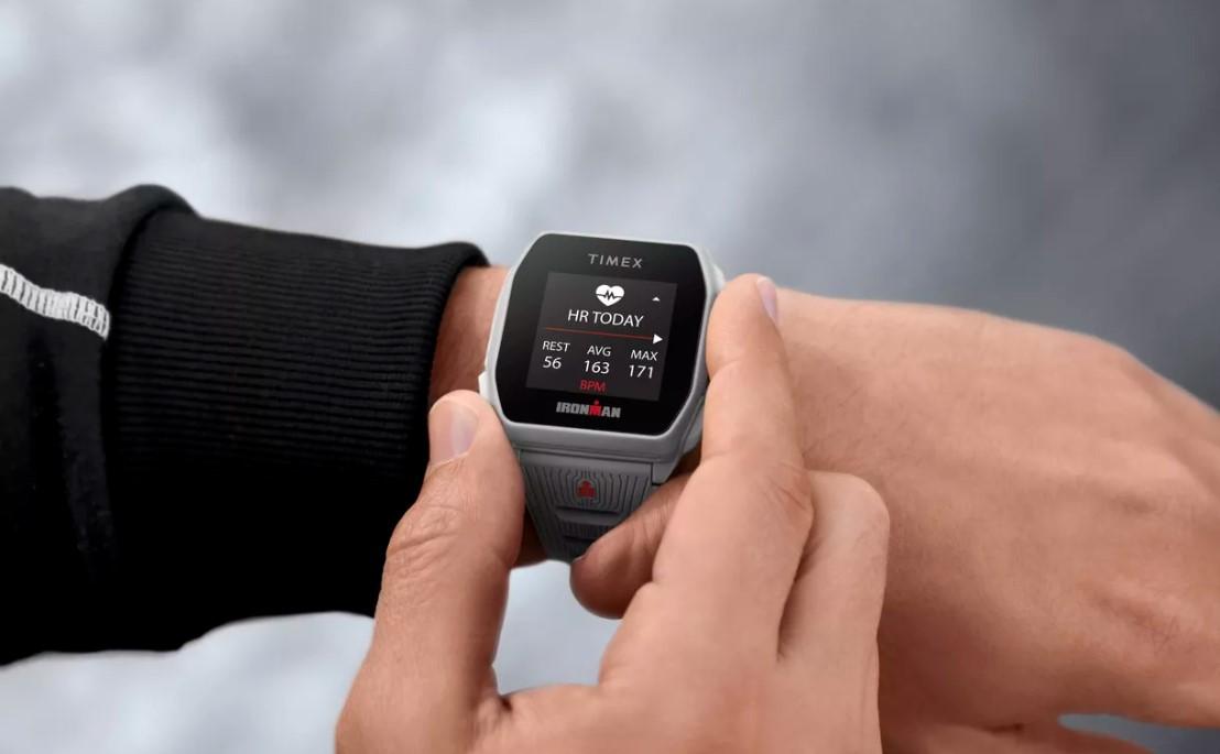Hau da Timexen lehen smartwatch itxura.  Oso merke da, txikia da eta GPS integratua du