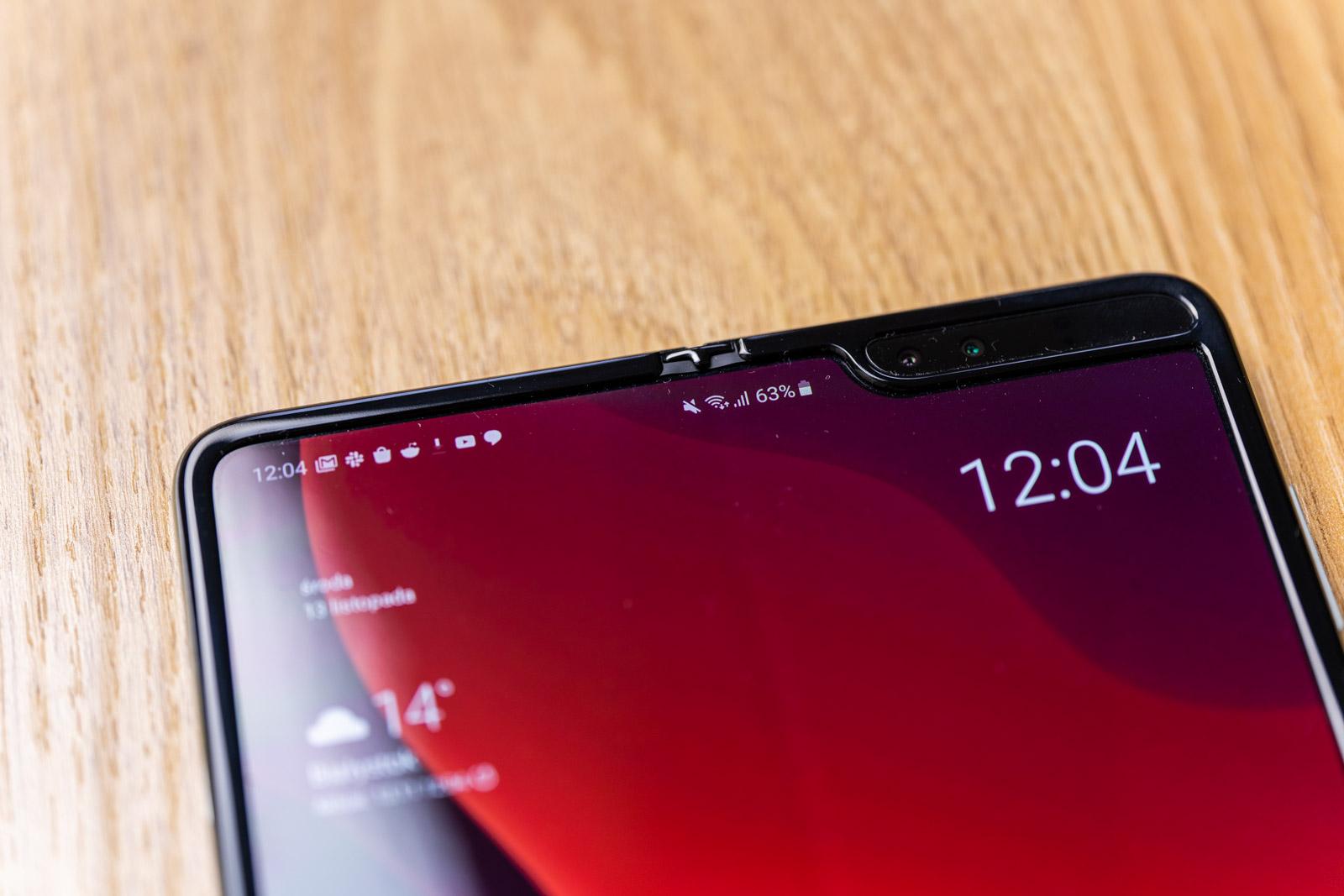 Agur, Notch!  Samsung Galaxy Fold 2  pantaila azpian kamera batekin uztailean estreinatuko da