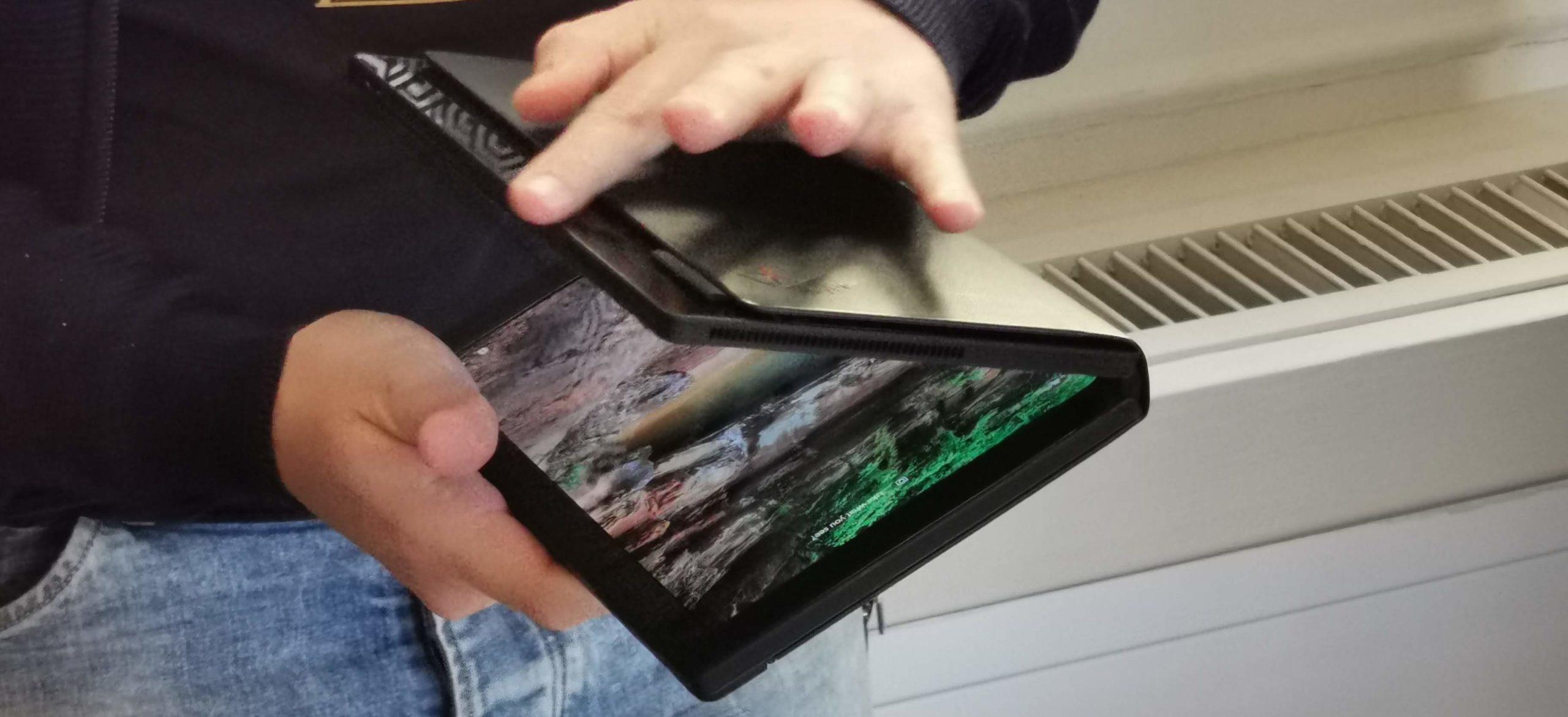 Ordenagailu eramangarrien mundua erabat aldatuko zuen ordenagailua erabili nuen.  Lenovo ThinkPad X1 Fold - lehen inpresioak