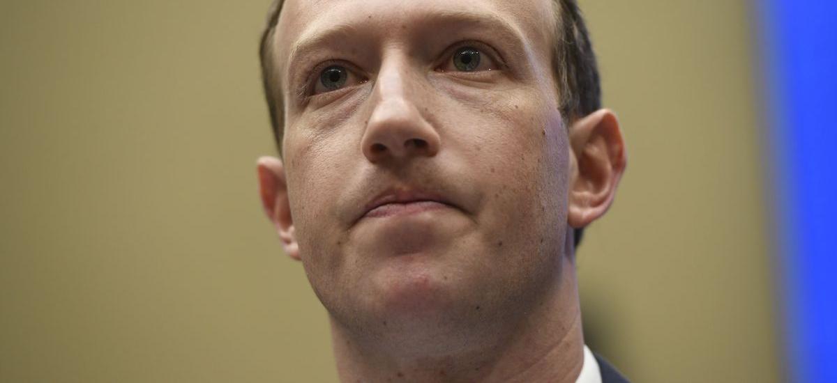 Barkatu Zuckerberg, kanpoan zaude.  IOS 13-ri esker, aplikazioek iPhoneen jabeak jarraitzen dituzte ia% 70ean.  gutxiago