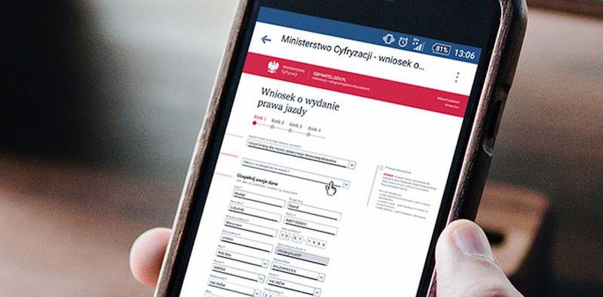 e-Polonia txartelen etxea bezala erori zen.  Obywatel.gov.pl, ePUAP, konfiantzazko profila, PESEL datu-basea eta CEPiK funtzionamenduari utzi zioten.