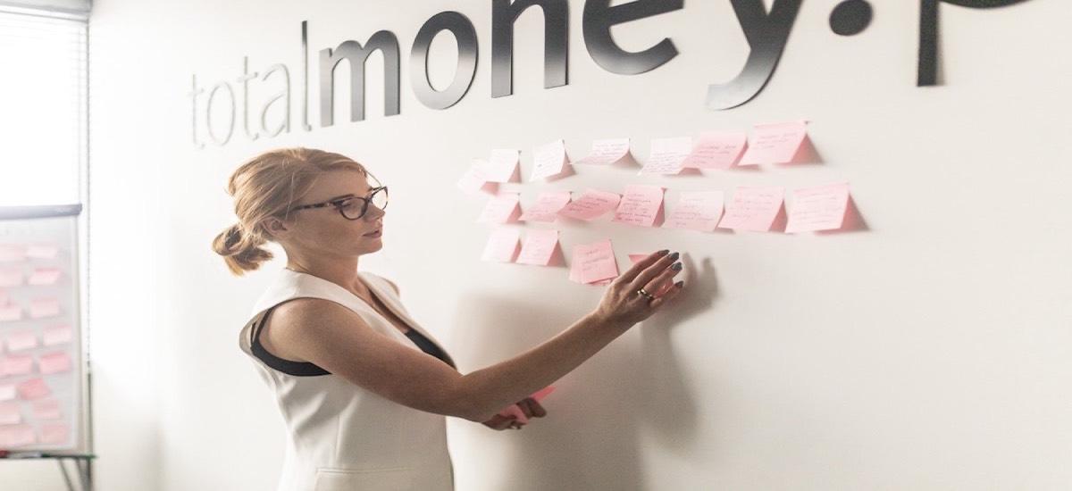 Totalmoney.pl-ek adierazi du banku mailegua merkeagoa izan daitekeela.  Webgunearentzat, erabiltzailearen onura dator lehen