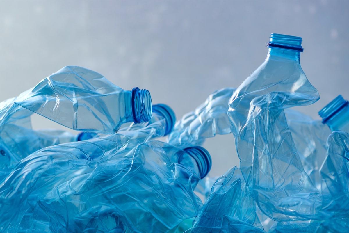 Plastikozko botilen gordailua ziur dago.  Polonian agertuko da hilabete gutxiren buruan