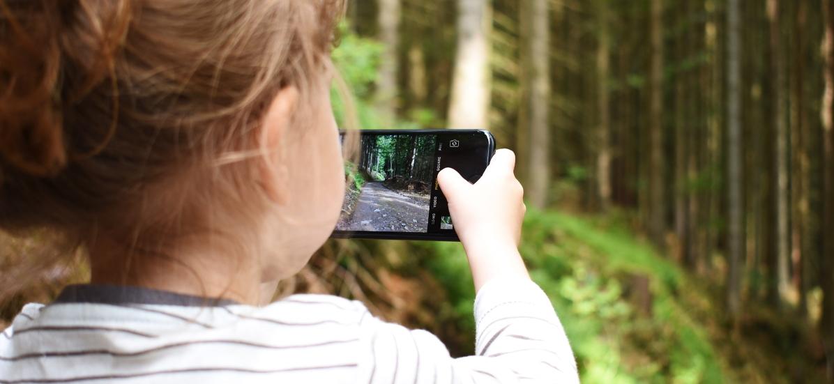 Smartphone bat erostea ez da web erabilera arduratsuaren hasiera edo amaiera - gurasoen benetako hausnarketa eta aholkuak