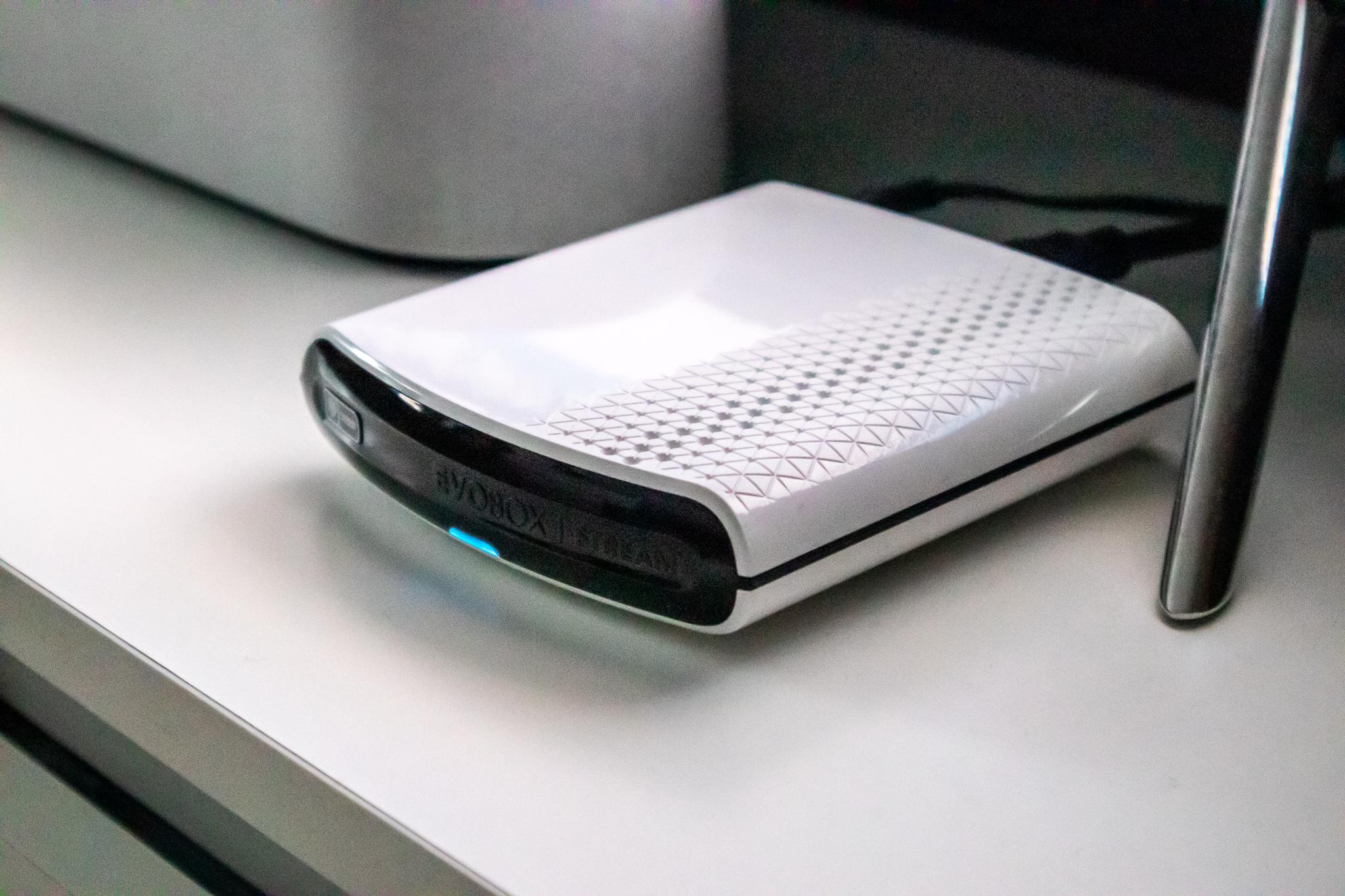 Evobox Stream-ek zer egin dezakeen egiaztatzen dugu - Internet bidez telebistarako sarbidea eskaintzen duen deskodetzailea