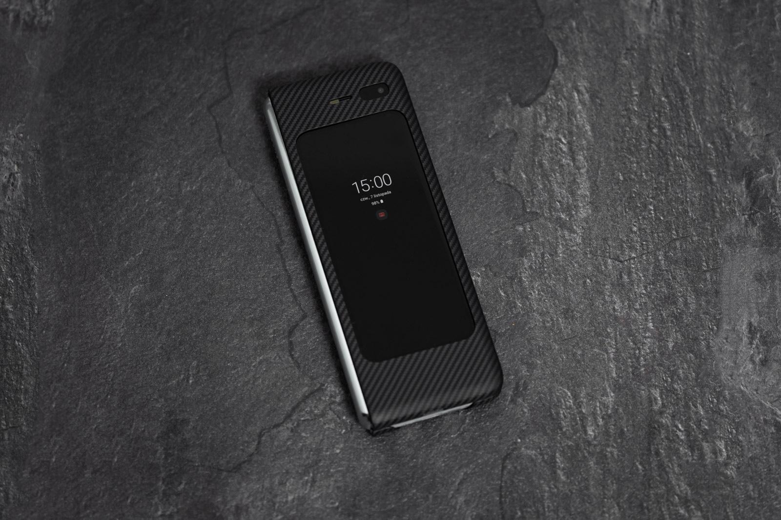 Zenbat smartphone Samsungen Galaxy Fold?  Pantaila txiki hau zertarako egokia den egiaztatu dut