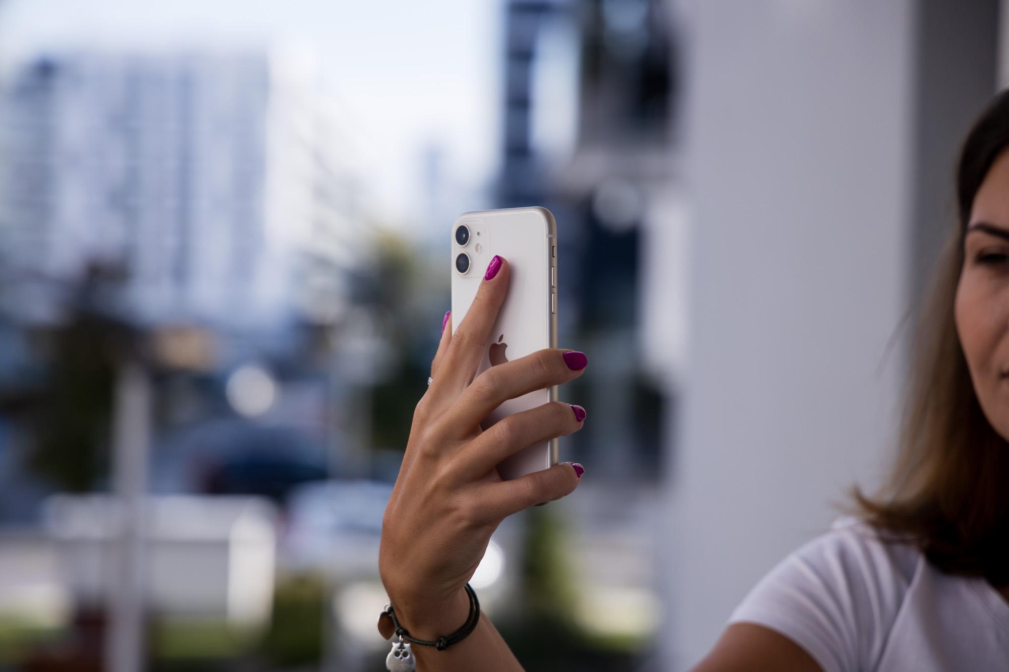iPhone 11 pantaila okerragoarekin edo iPhone X kamera okerragoarekin?  Aukera bistakoa da