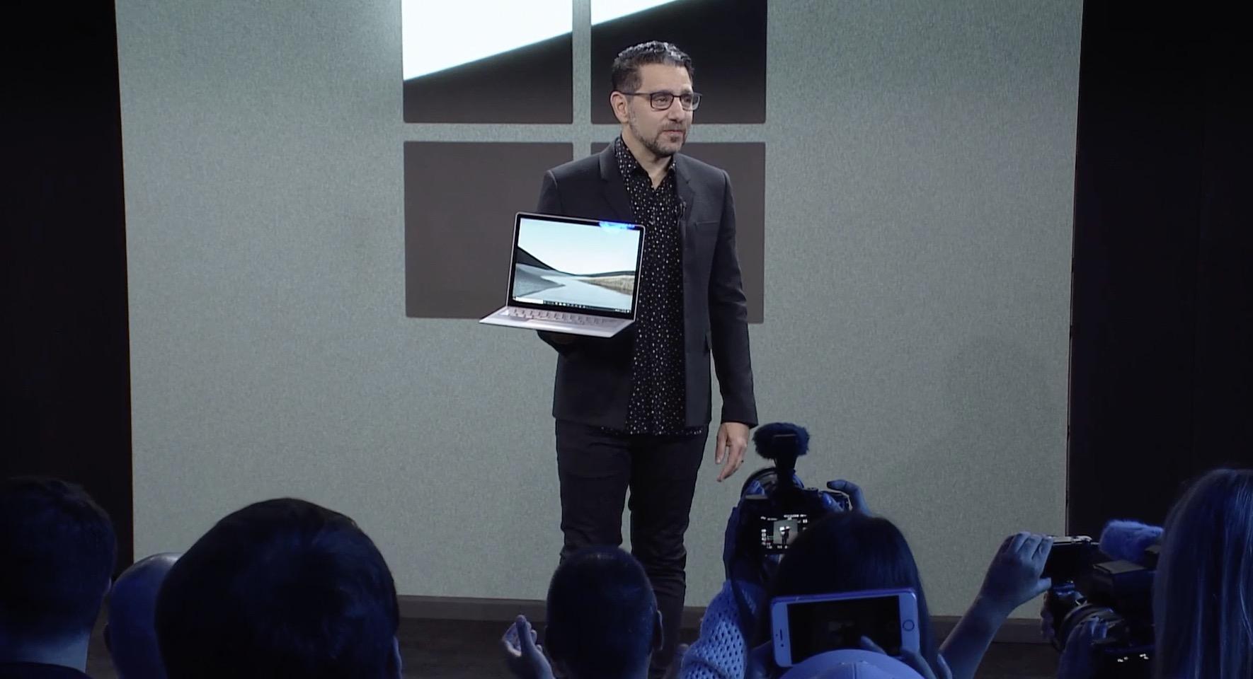 """Ez dut ekipo hau zertarako erabili.  Gainazaleko ordenagailu eramangarria 3 15 """"aukera galdu da MacBook Pro borrokatzeko"""