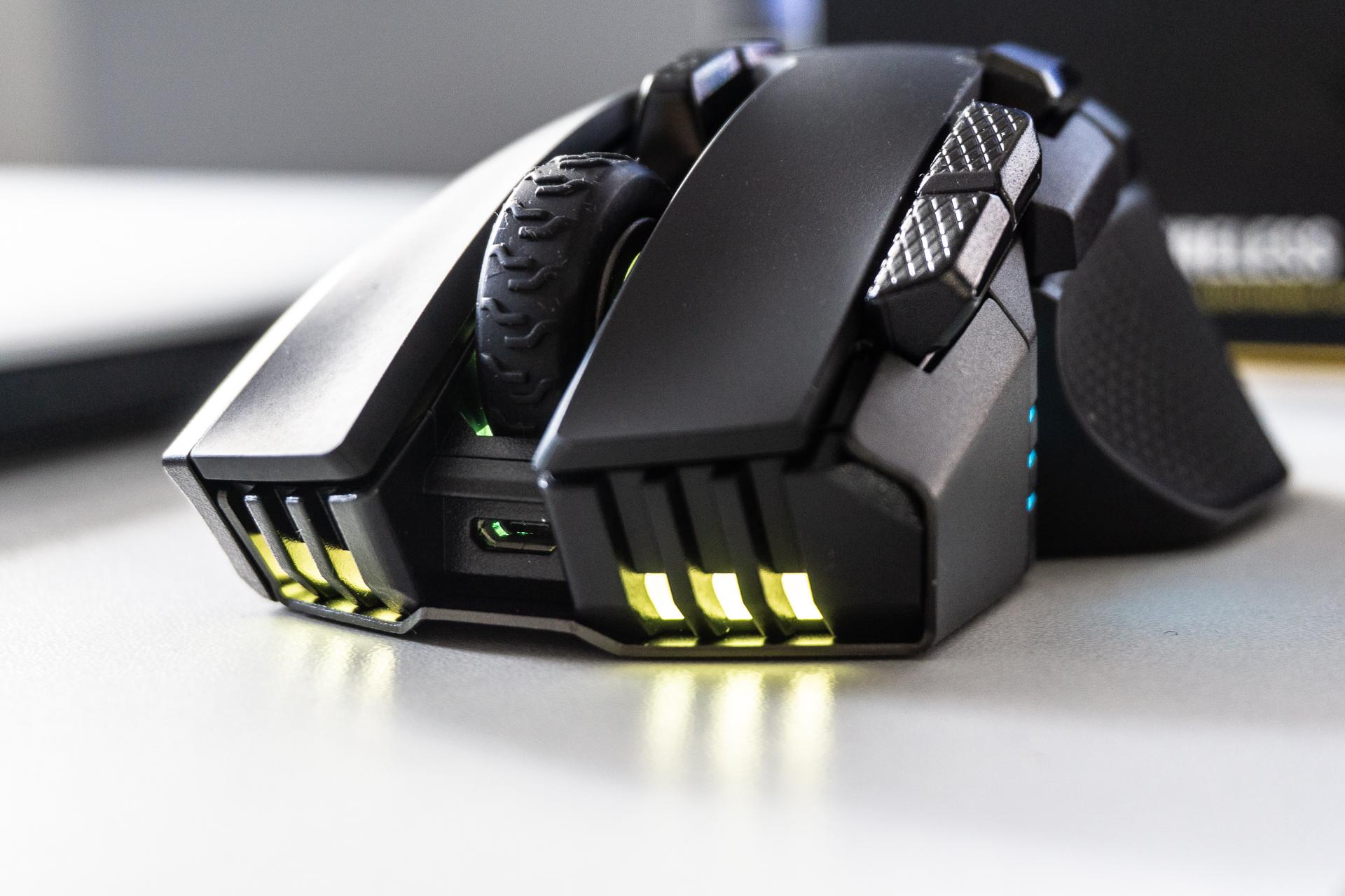18000 DPI sentsorea, gehienez 10 botoia eta profil oso altua.  Corsair Ironclaw RGB Wireless - berrikuspena