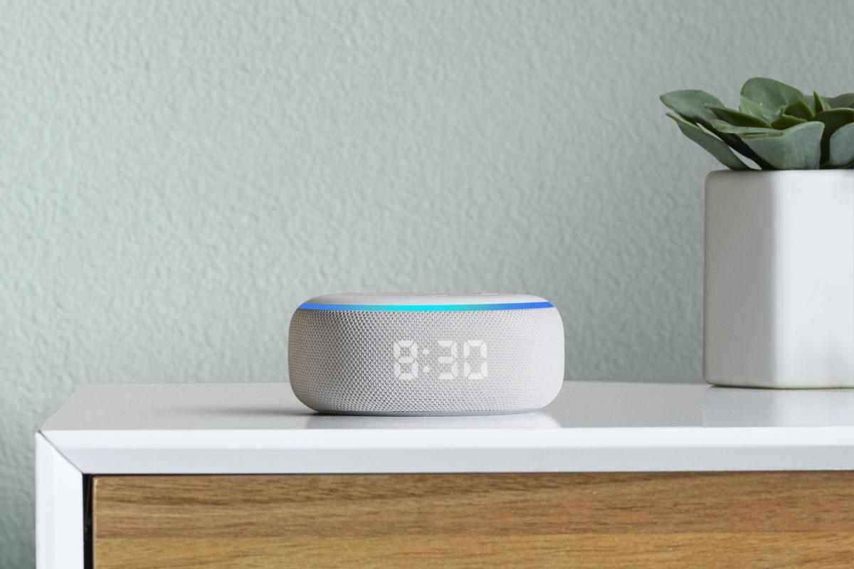 Horrela itxura berria da Amazon Echo Dot iratzargailua