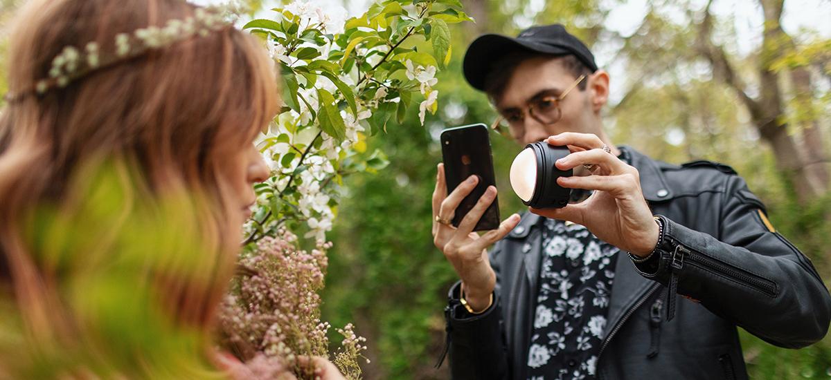 Profoto C1 eta C1 Plus iPhonerako flash eta estudio mugikorreko unitateak dira