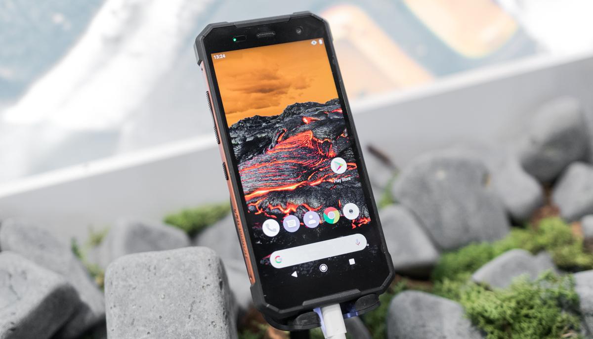Hammer Explorer eta Explorer Pro ez dira aspergarriak diren lehen telefono blindatuak