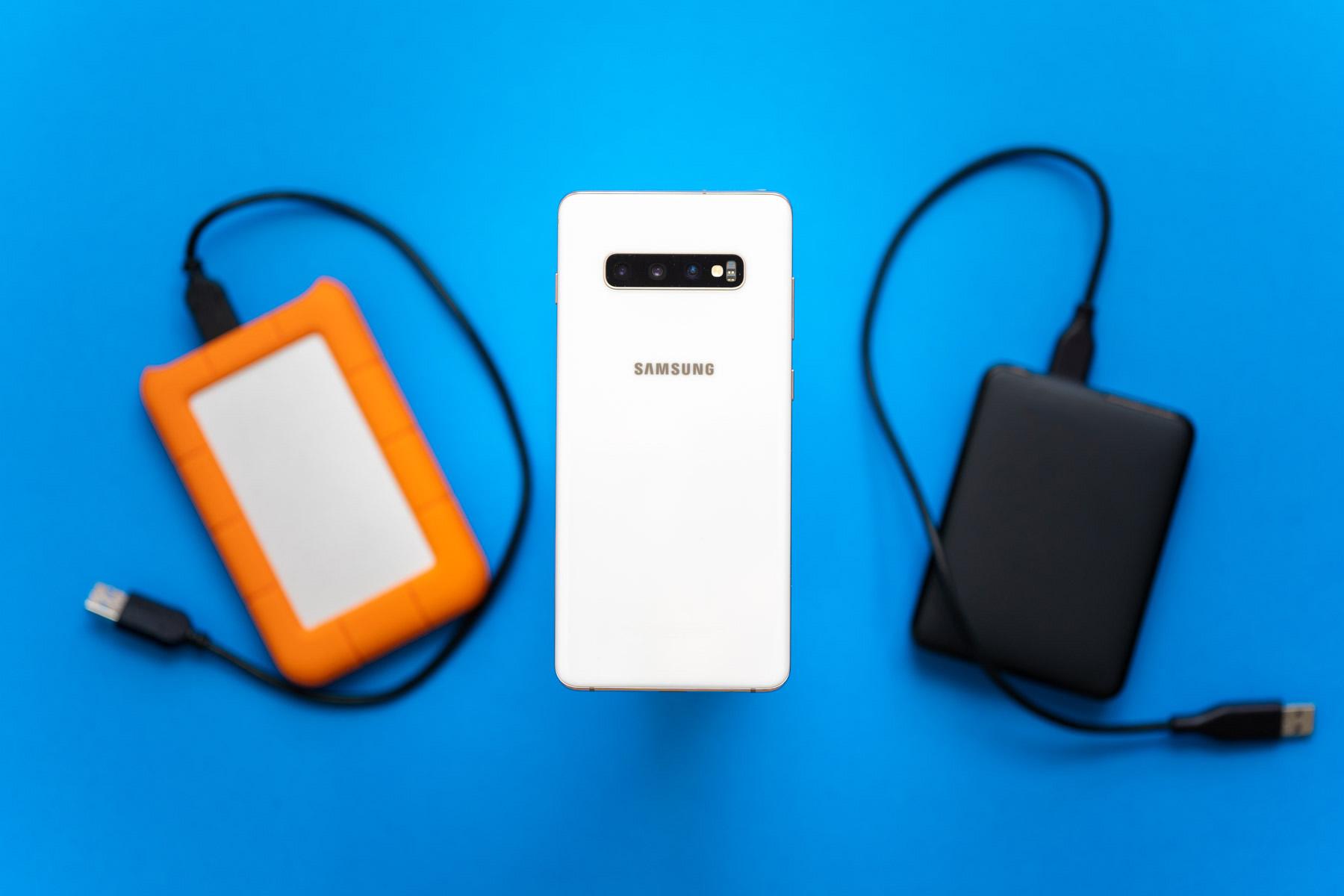 aurrera 5 MB  behera 1 TB, armairutik smartphone-era, memoria memoria laburra