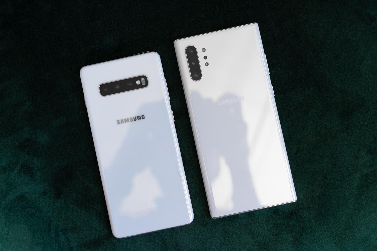 Samsung Galaxy 10. oharra edo Samsung Galaxy S10 +?  Koreako bi smartphone onenak alderatzen ditugu