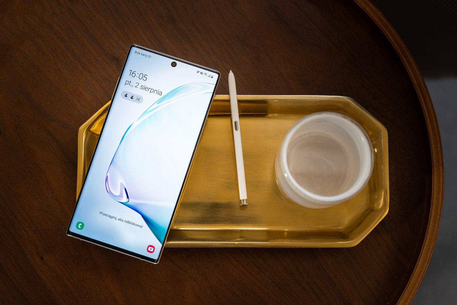 Hau al da oraindik oihaneko errege?  Samsung Galaxy Oharra 10+ munduko gainerako aldean