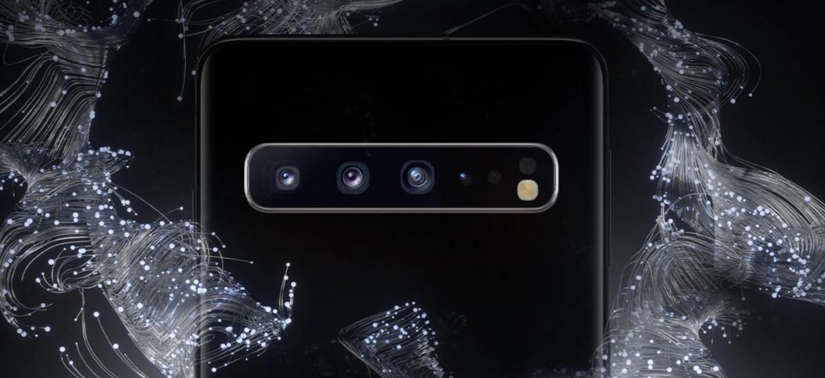 Samsung-ek txartela agerian uzten du.  Exynos 9825 da. Samsung gidatuko duen prozesadorea da Galaxy 10. oharra