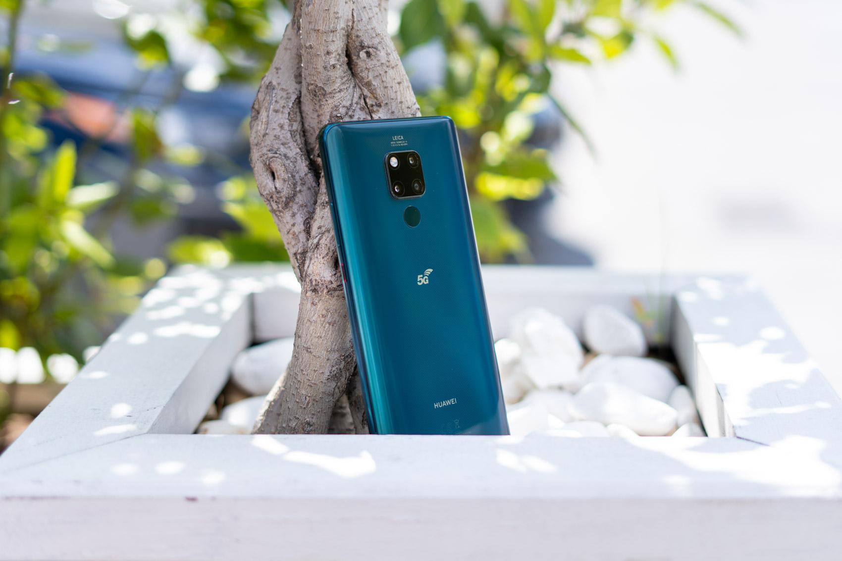 5G sareak onartzen dituen lehen telefonoa Poloniara doa.  Hemen dago Huawei Mate 20 X 5G