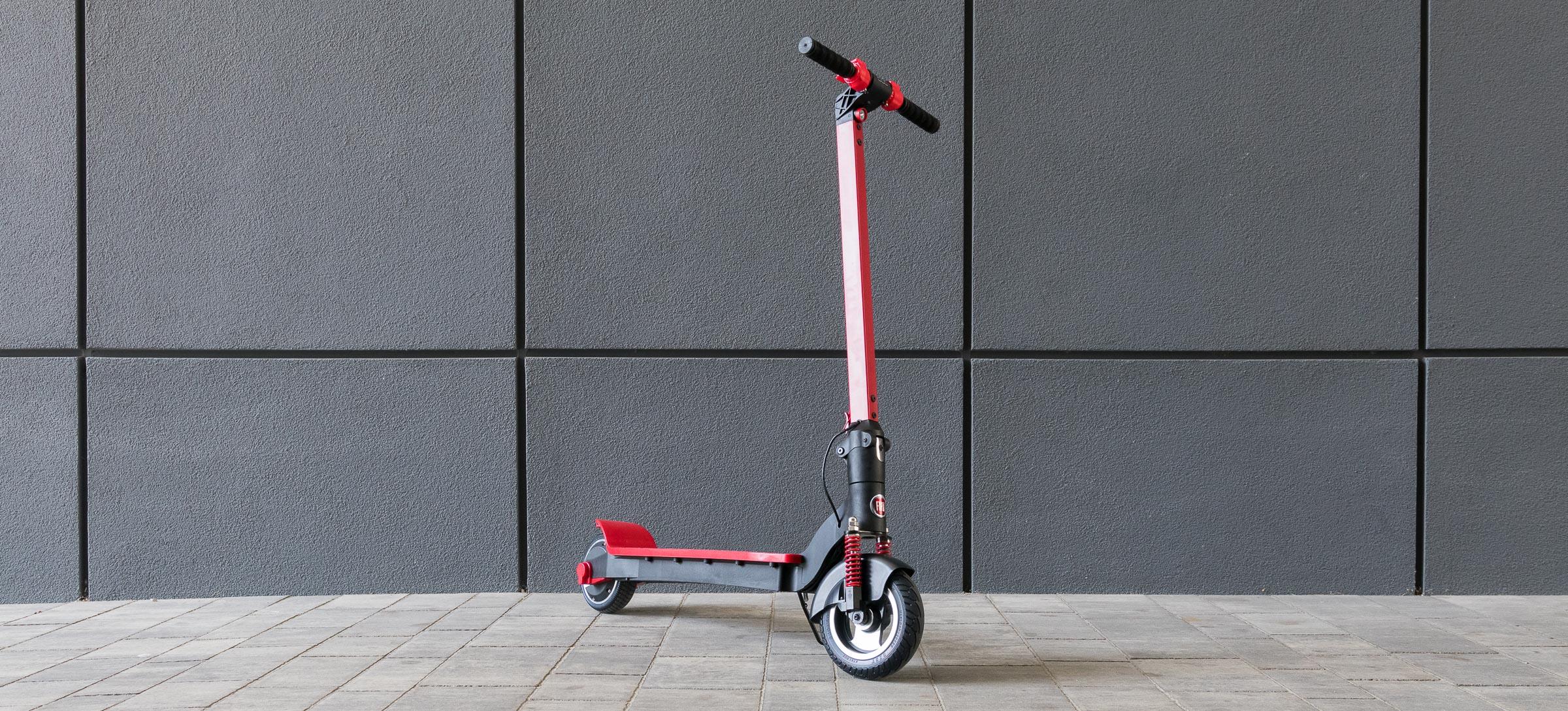 Astea Fiat F500-F80 scooter elektrikoarekin.  Zenbat estutu dezakezu ekipamendu honetatik?