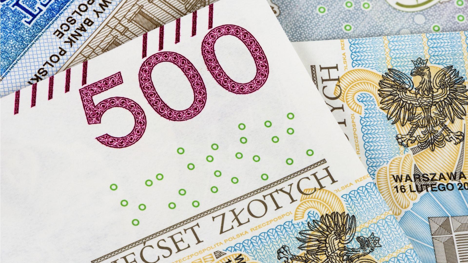 99 urteko bizitzak aurrezki lapurtu ditu (4 mila.  zł).  Interneteko erabiltzaileek 535.000 lagun bildu dituzte  zł!