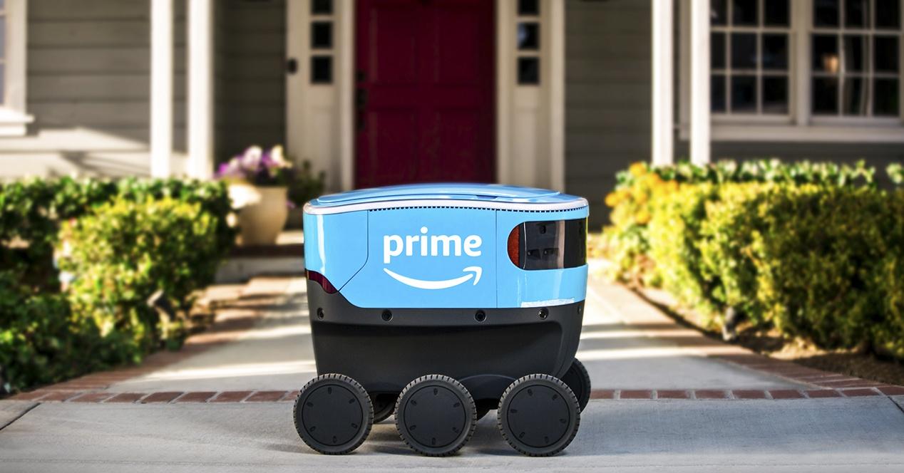 Amazon robot berri hau paketeak entregatu nahi dituena da
