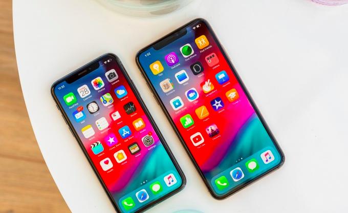 Apple Gogorrean!  iPhone salmentek behera egiten jarraitzen dute!