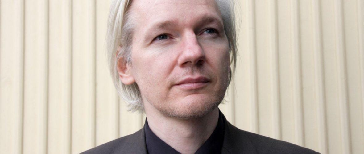 Assangek dio Donald Trumpek barkamena agindu ziola mesede baten truke