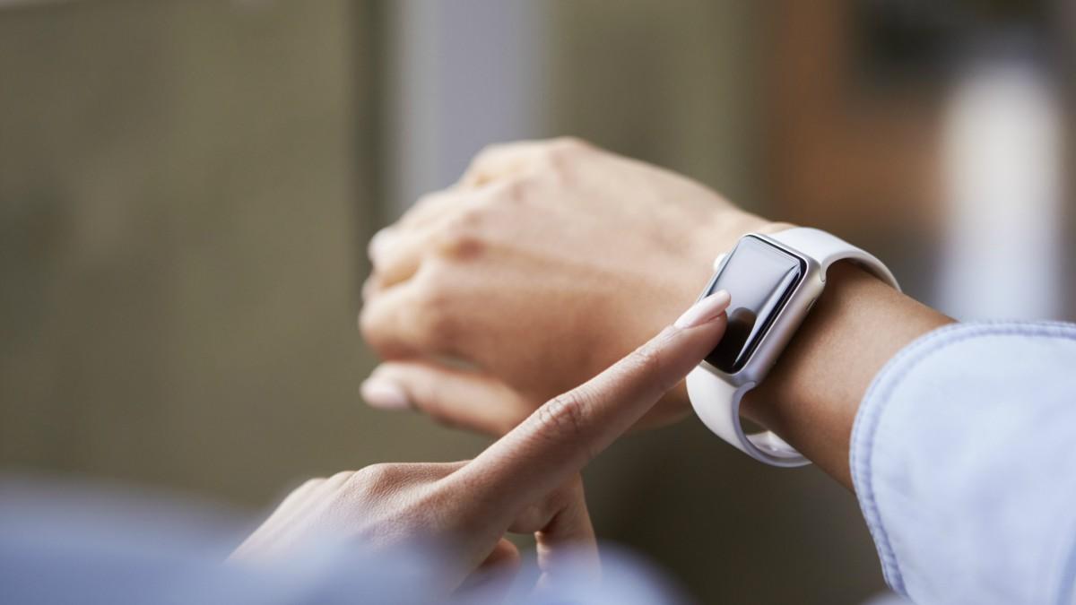 Azken erloju adimendunak alderatuz Apple, Samsung, Fitbit eta Fossil 1