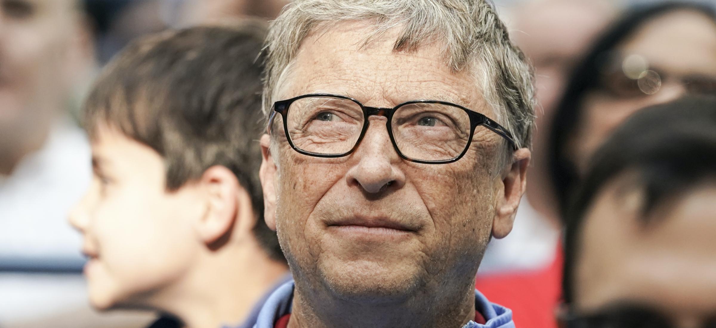 """Bill Gatesek bere buruari konspirazio teoriei buruz hitz egin zuen.  """"Zaila da ukatzea"""""""