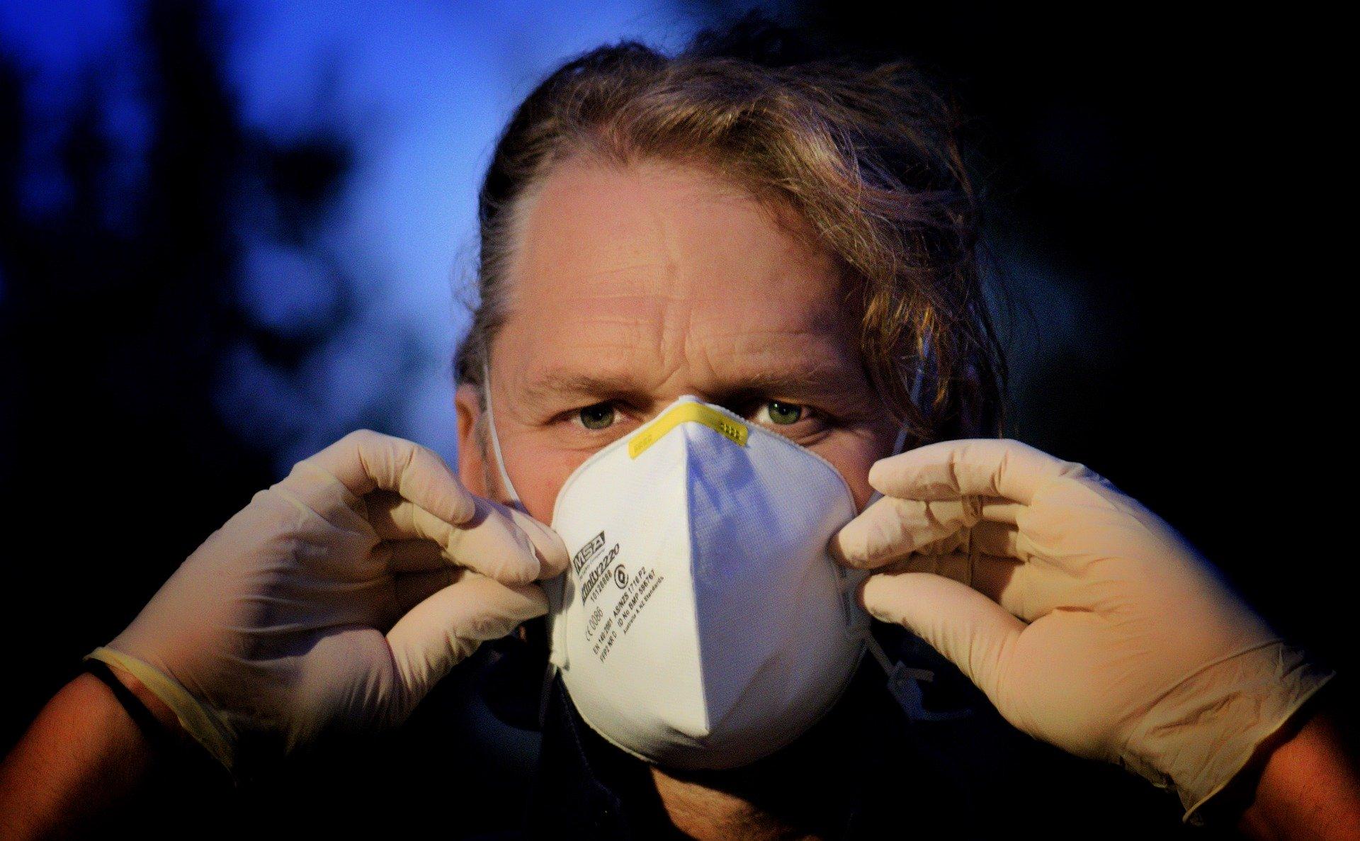 Coronavirus versus gertaerak eta mitoak.  Hau al da gripe desberdina?  Vodka laguntzen al da?  Zer gertatzen da Txinatik datozen lursailekin?