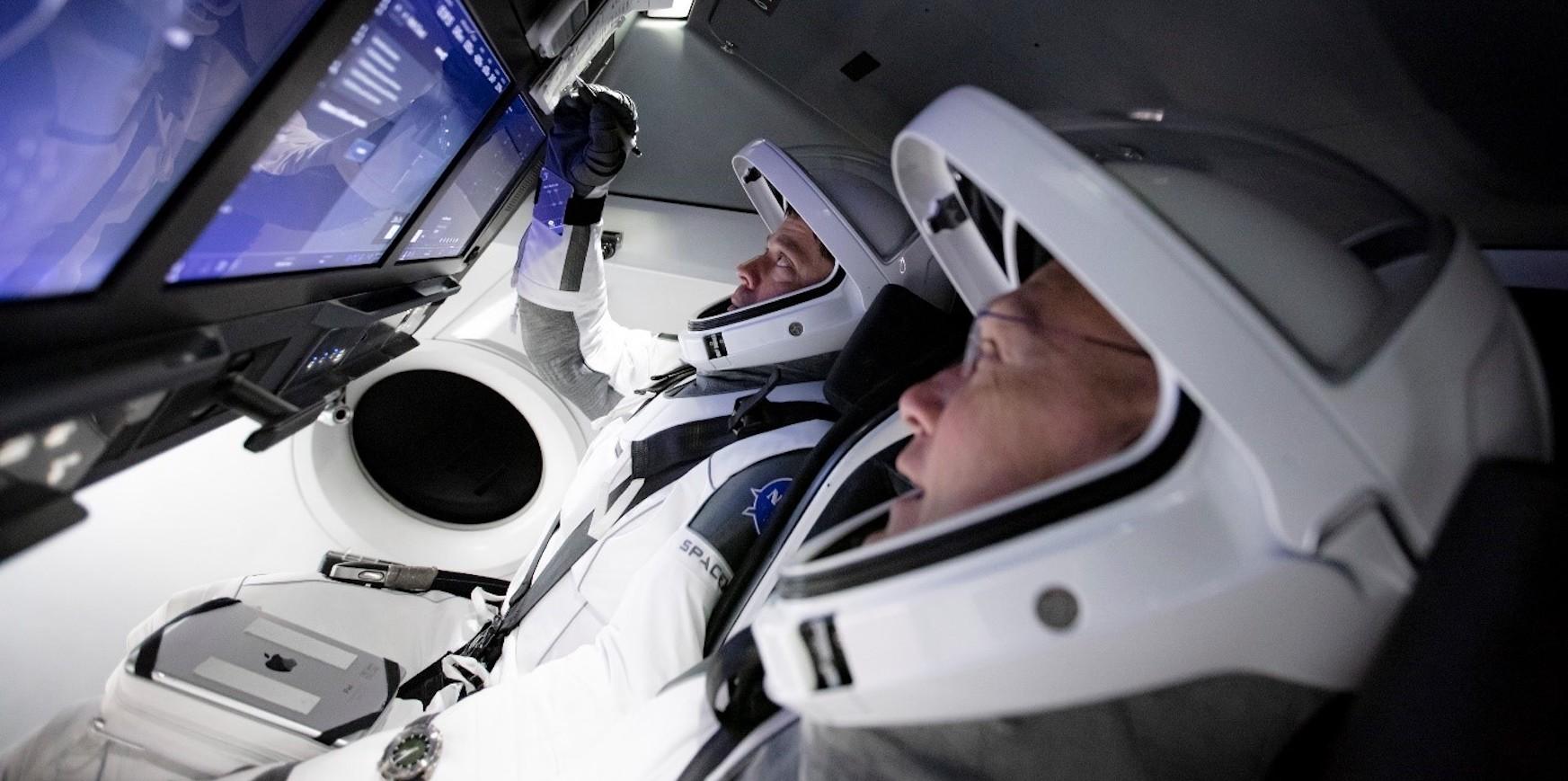 Crew Dragon misioaren hasiera.  Muskaren itsasontzia Europaren gainetik hegan egingo da gaur