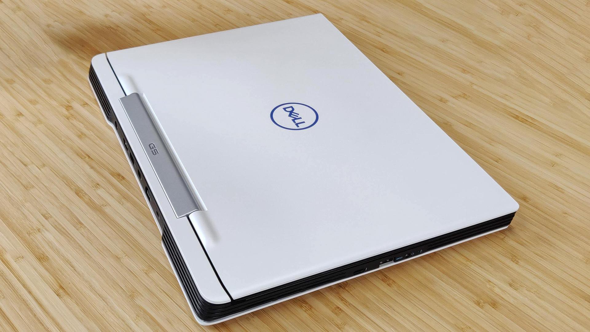 Dell G5 15 5590 ordenagailu eramangarria proba: negozioaren seme-alabekin.