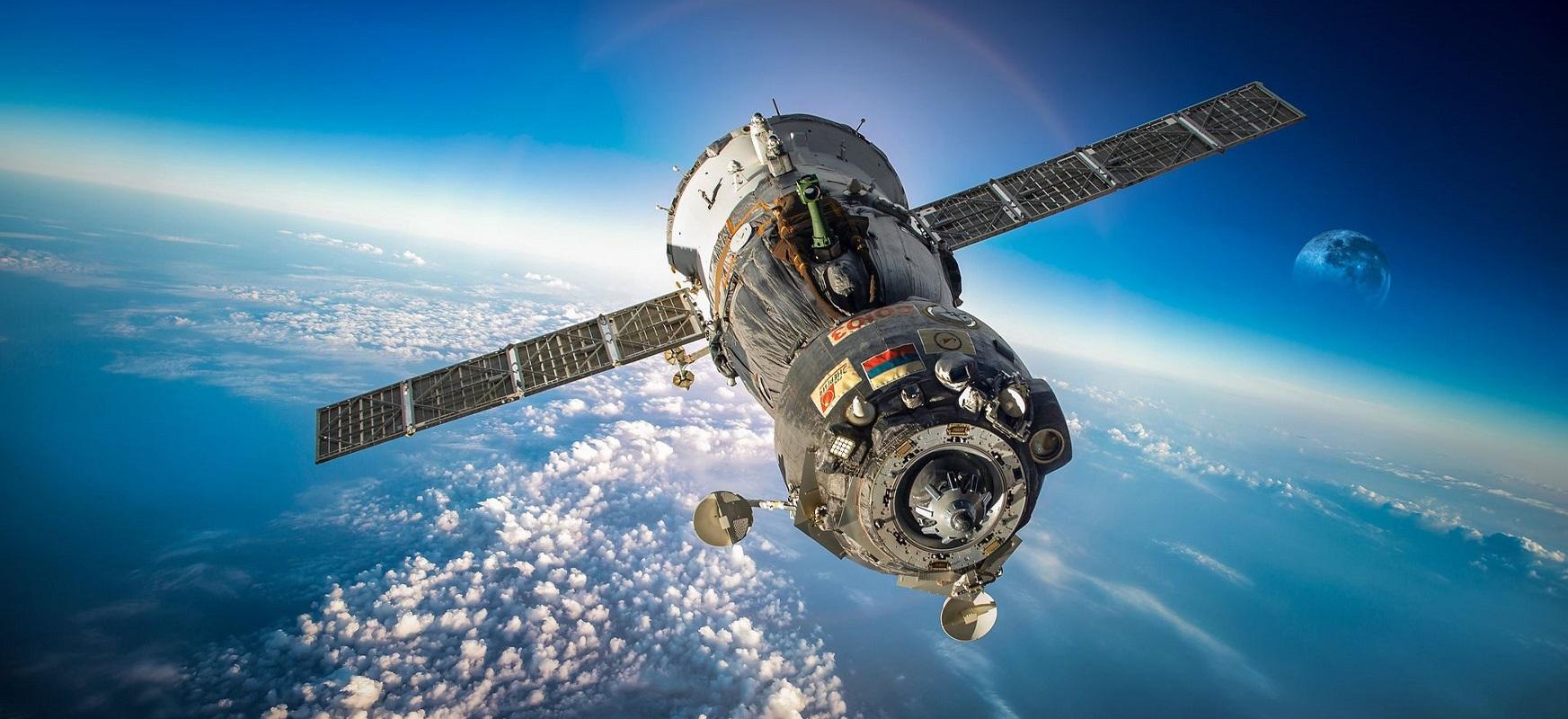 Falcon hegaldia 9 espazio geltokia merkea da.  Errusiaren arabera, askoz ere garestiagoa izan beharko litzateke