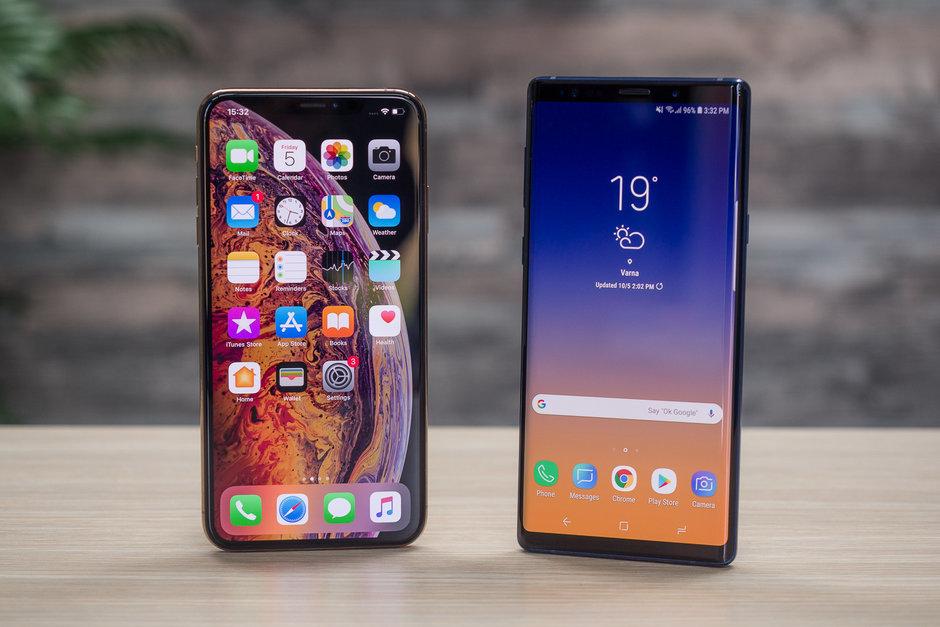 Galaxy Oharra 10 pantaila iPhone XS Max baino handiagoa izango da