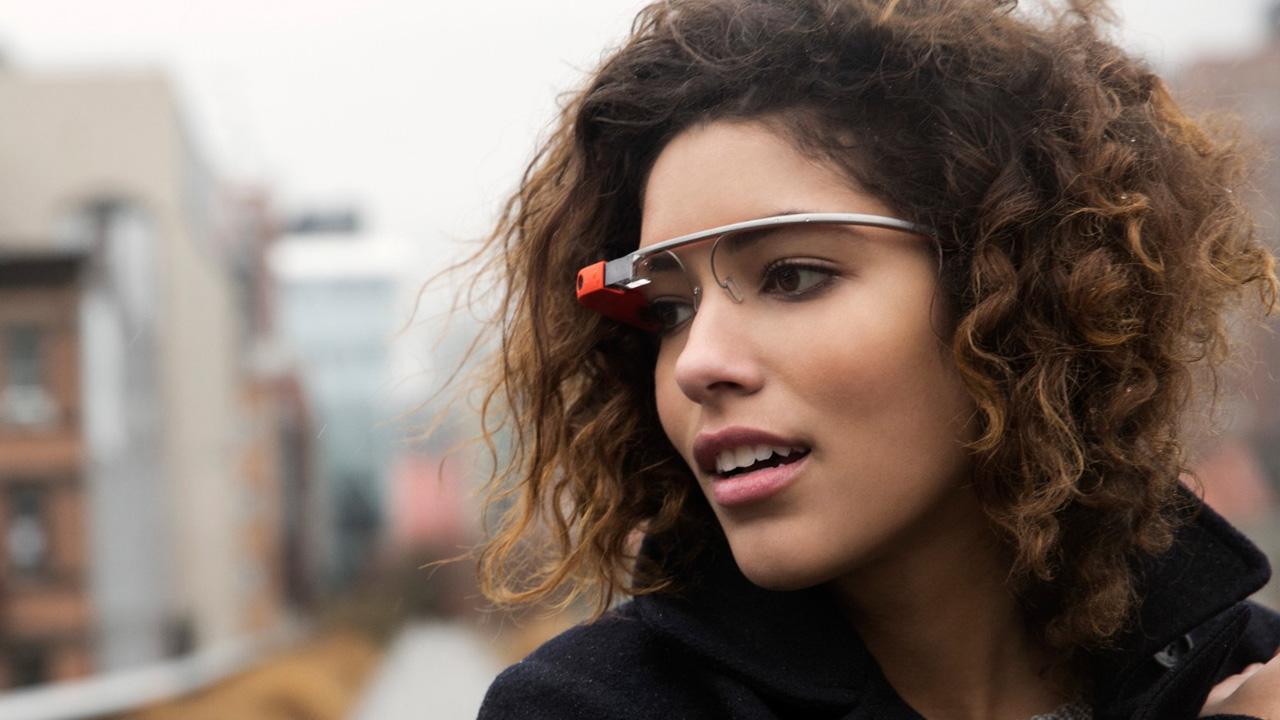Google Google Glass-ekin amaitzen da, baina errealitate areagotua ez da iraganeko gauza bat