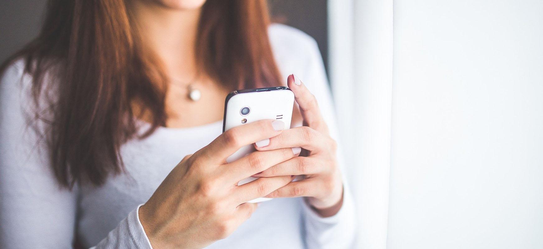 Google SMS aplikazioak SMSak ausaz ezabatuko ditu.  Kontuz ibiltzea gomendatzen dizugu
