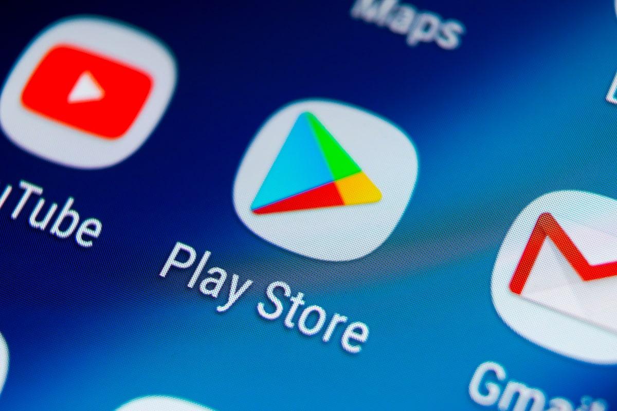Google-k Google Play garbitzen du.  600 eskaera labanaren azpian sartu ziren jakinarazpenetan spamak botatzeko