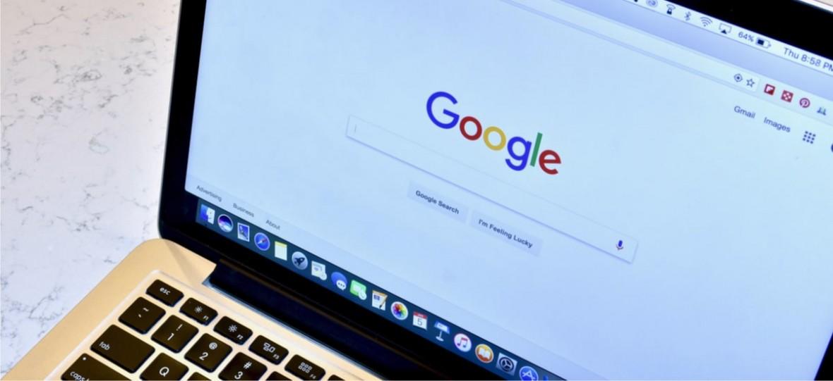 Google-k kritikak onartzen ditu, bere bilatzailearen itxuraz pentsatuko du