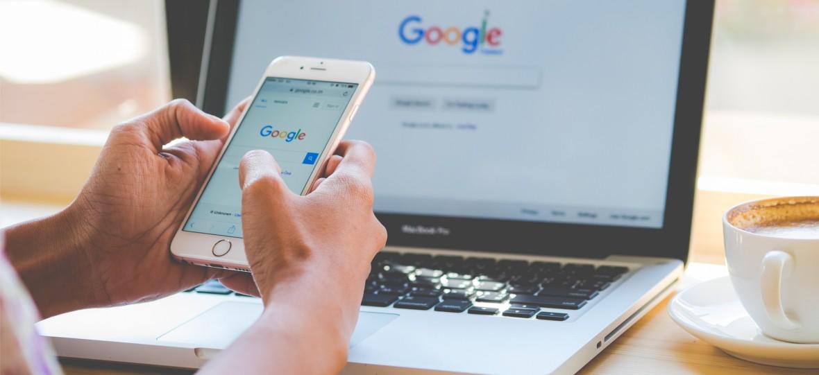 Google-k lehiaketa propioa sustatzen du bilaketa emaitzetan.  Irteerarik ez dagoelako
