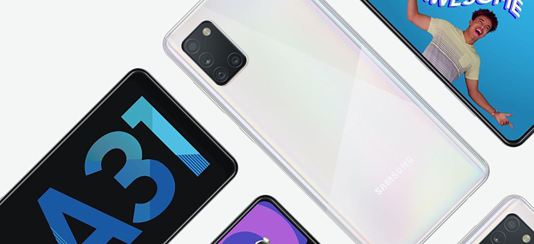 Google-n lan egiten duen polo batek deskargatu du sakelako telefono bat Samsung telefonoetan.  Ekoizleak makurtu egin zuen