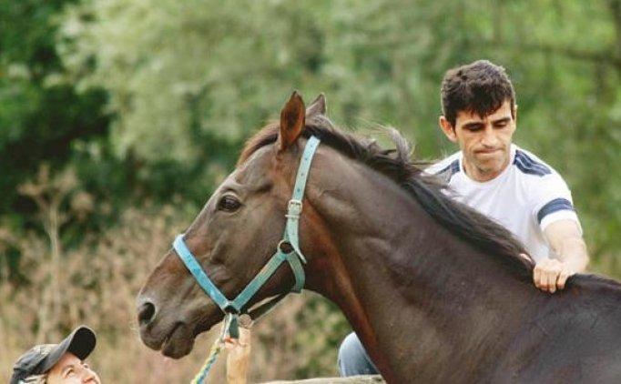 Halis Karataş jockey famatuaren bizitza film bihurtzen da