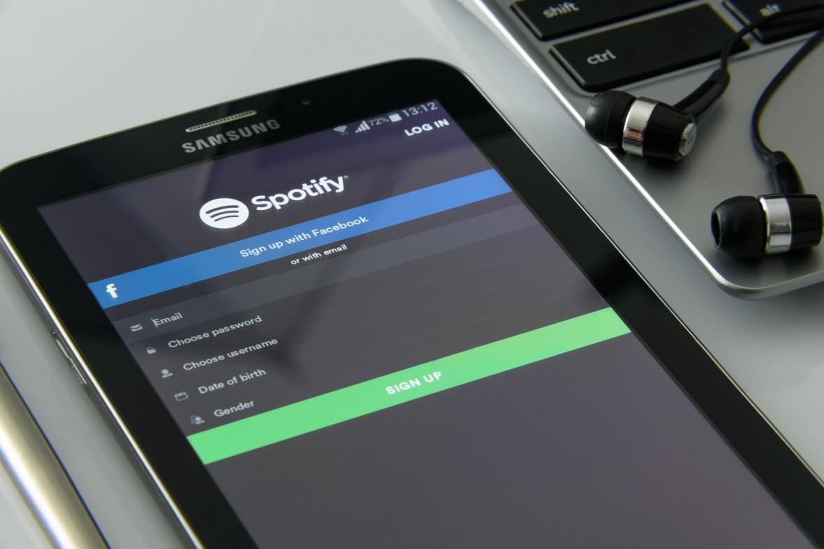 Hiru hilabete Spotify Premium baten prezioaren truke.  Pena da hautatutakoentzat soilik