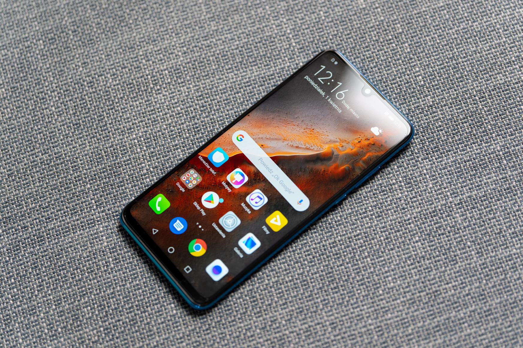 Huawei P30 lite freskagarria estreinatu da Polonian.  Garrantzitsua: eredu honek Google Play du