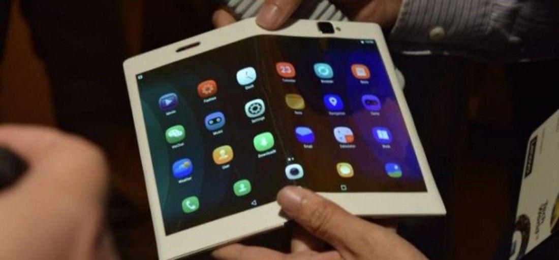 Huawei-k telefono tolesgarria iragartzen du Samsung-en aurretik