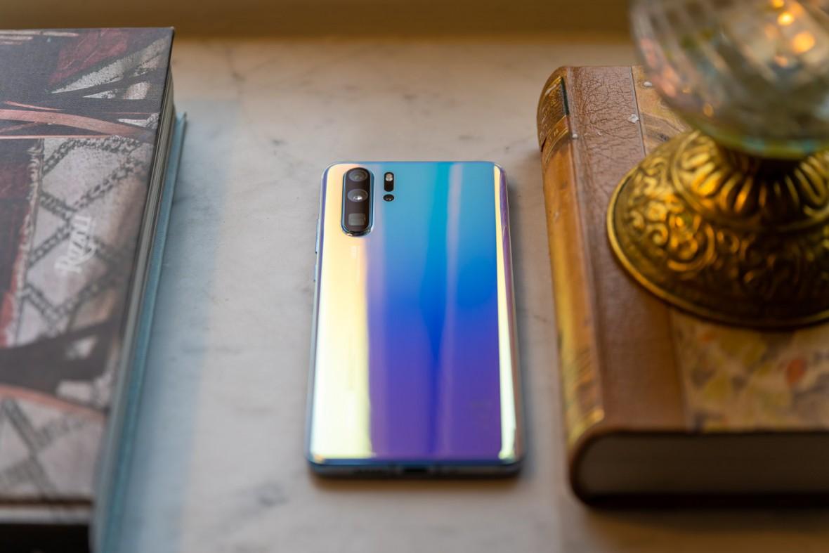Huawei smartphone bat bere sistema propioa probatzen ari da