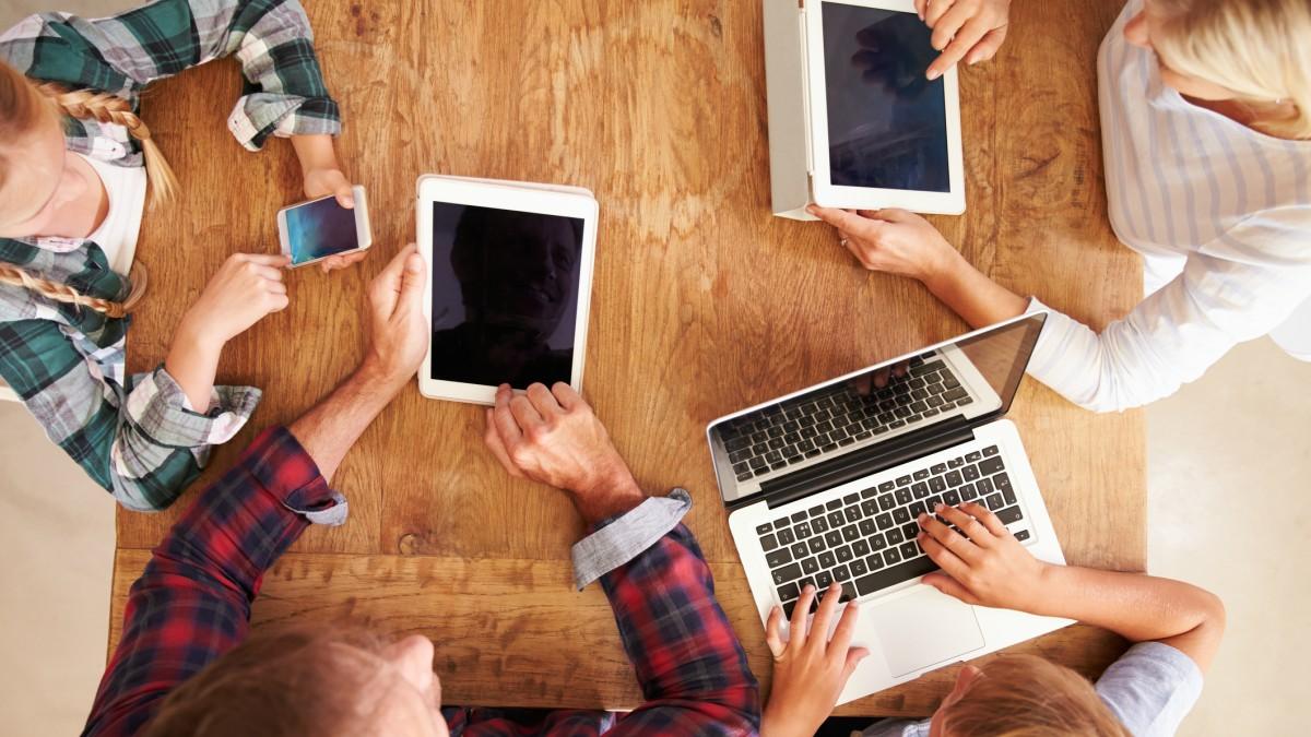 Interneteko eskaintza onenak dirua aurrezteko eta abiadura maximizatzeko