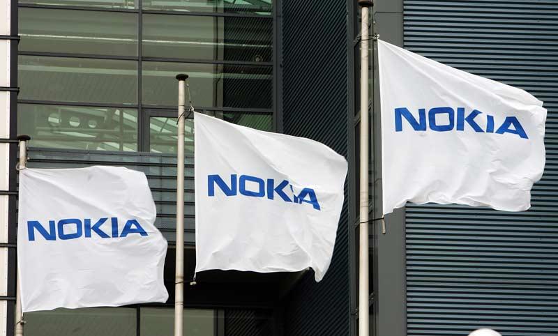 Itzuli bonba bezala Nokia-tik!  Mugikorren merkatuan top 10ak sartzea lortu zuen!