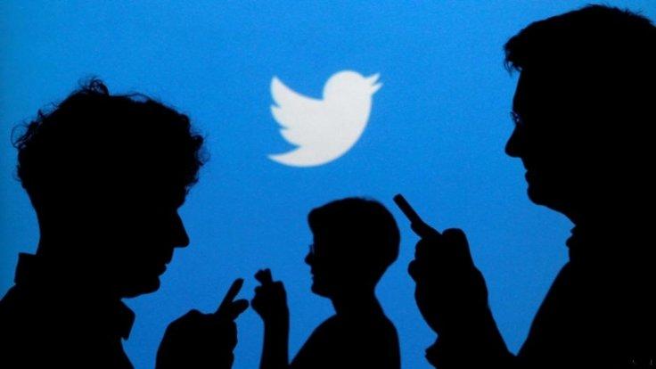 Katy perry Twitterosorik 2.8 milioi bat jarraitzaile galdu